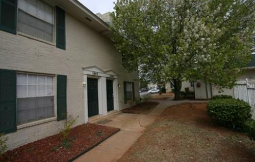 Willowbrook Apartments And Townhomes Norman Ok 73071 Hotpads