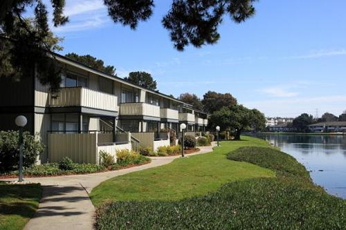 Sand Cove Apartments Foster City