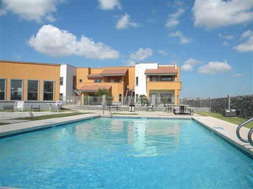 Castelo Apartments Mcallen Tx