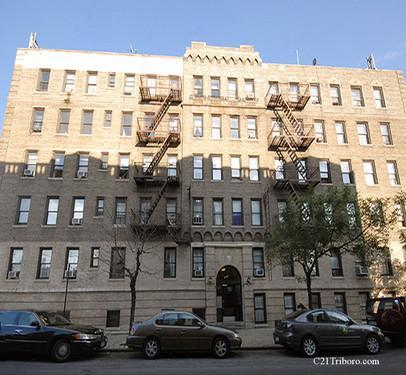 Beautiful One Bedroom Apartment At Astoria Astoria Ny 11101 Hotpads