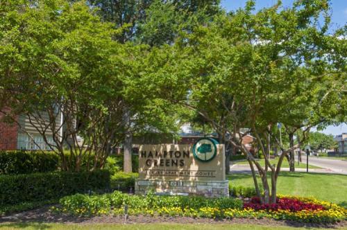 Hampton Greens Apartments Photo 1