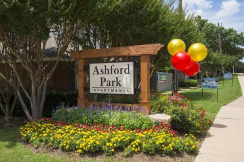 Ashford Park Apartments Photo 1