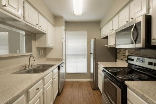 Harbor Walk Apartment Homes Photo 1