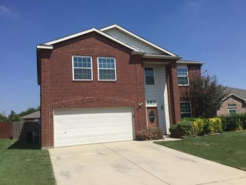 1112 Roundhouse Dr Photo 1