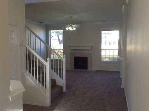 601 Ridgemont Drive Photo 1