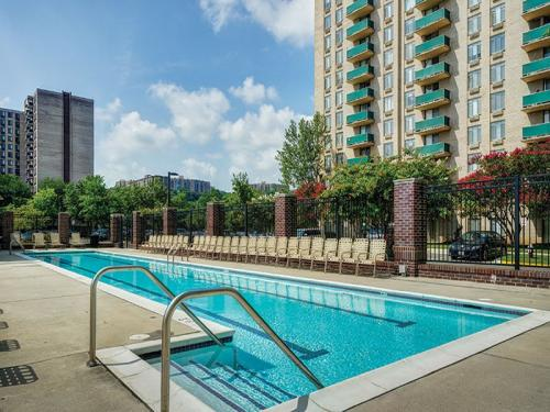 Riverside Apartments Photo 1