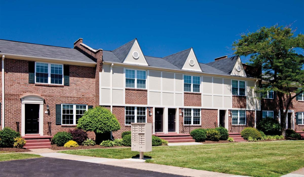Maple bay townhomes at 356 s chesire court virginia beach - 4 bedroom apartments virginia beach ...