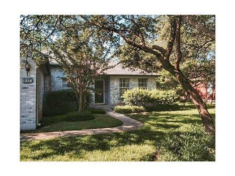 4 bed, $1,550 Photo 1
