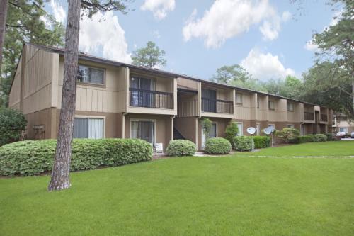 Pinetree Gardens Apartments Photo 1