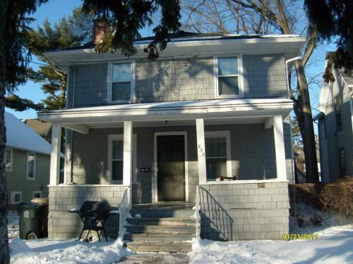 932 Drake Street Photo 1