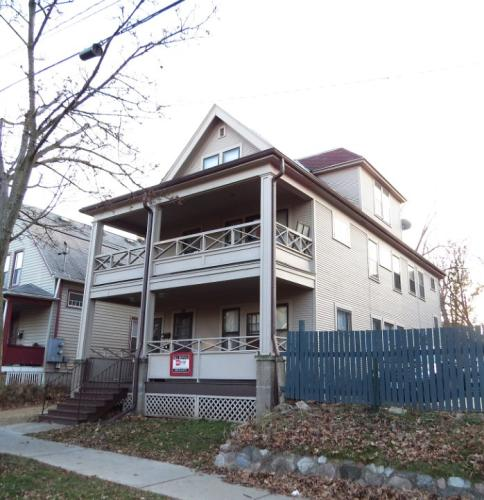 108-110 S Bassett Street Photo 1