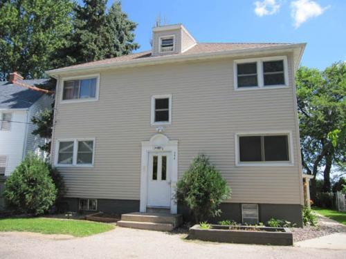 358 E Lakeside Street Photo 1