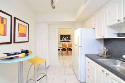 Marina del Mar Apartments Photo 1