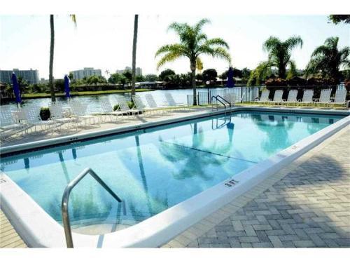 6425 Bay Club Dr Fort Lauderdale Fl 33308 Photo 1