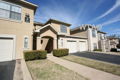 5217 Old Spicewood Springs Road #11396 Photo 1