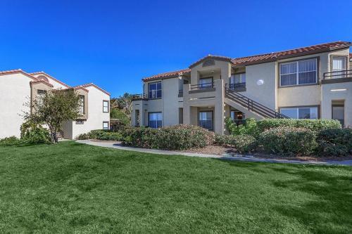 Seacrest Apartment Homes Photo 1