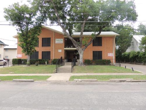 4611 Munger Avenue Photo 1