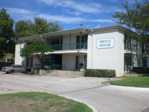 4901 Bryce Avenue #10 Photo 1