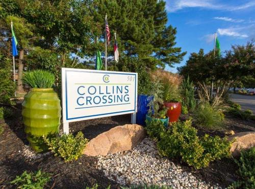 Collins Crossing Photo 1
