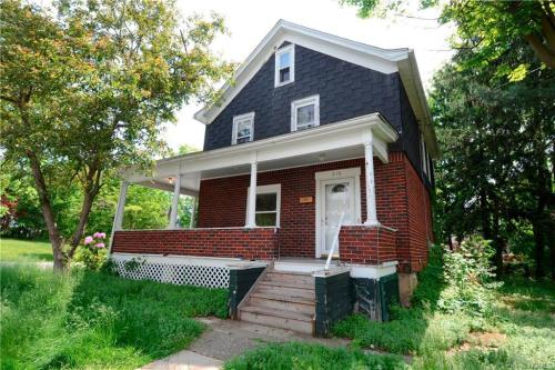210 Highland Avenue Photo 1