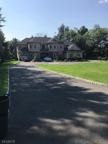 45 Colonial Road Photo 1
