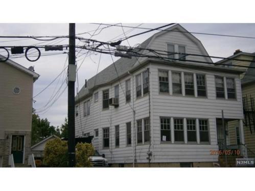 130 Broughton Ave Photo 1