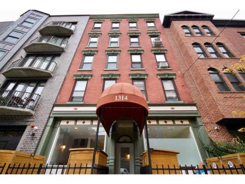 1314 Hudson Street Photo 1