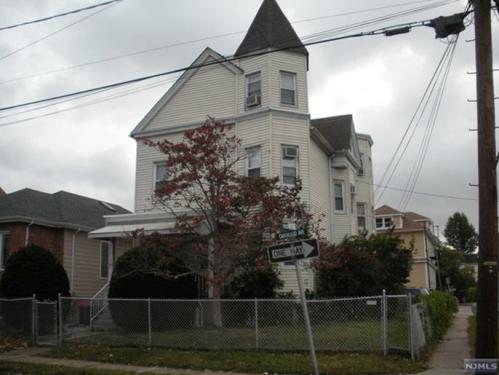 154 Oakwood Avenue #2 Photo 1