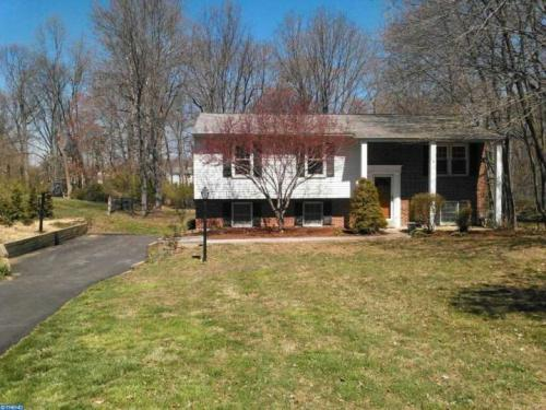 18 Raleigh Dr Photo 1