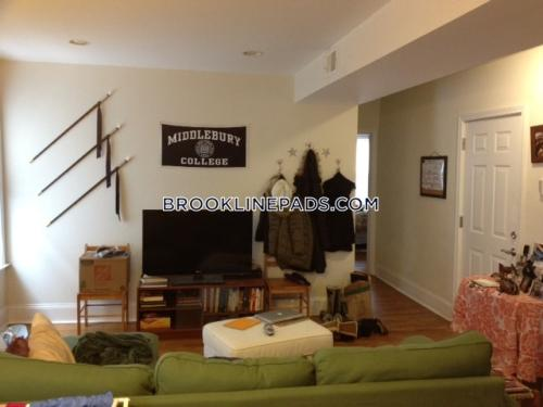 25 Aspinwall Avenue Photo 1