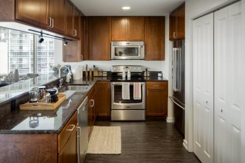 Edgewater Apartments Photo 1