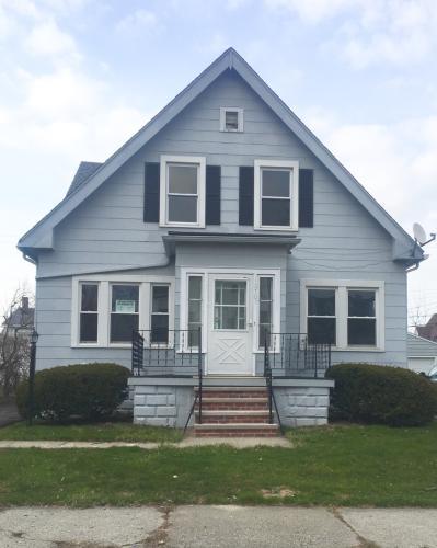 10701 Vernon Avenue Photo 1