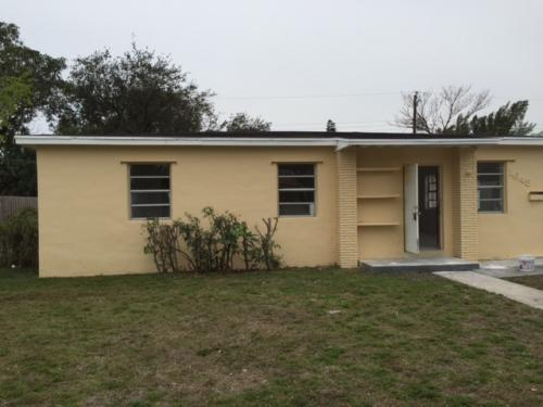 1648 NW 13 Ct Photo 1