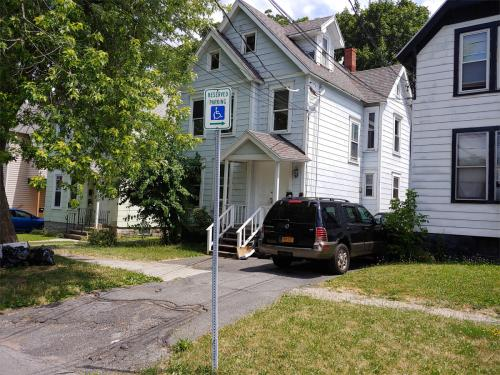 322 Beecher Street #2 Photo 1