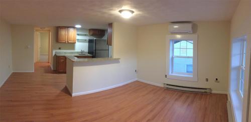 976 Jefferson Ave 06 Photo 1