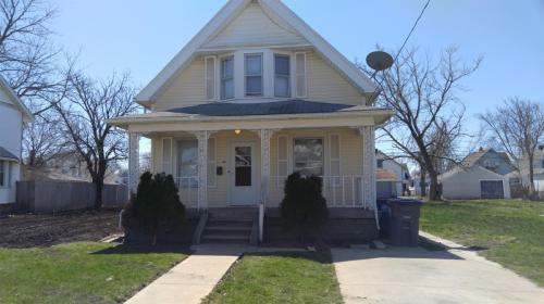 38 E Pearl Street Photo 1