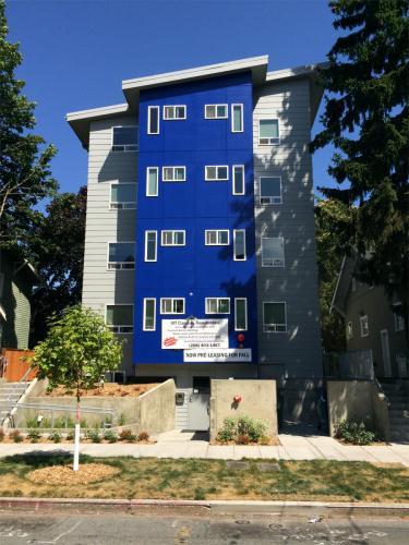 4742 20th Avenue NE Photo 1