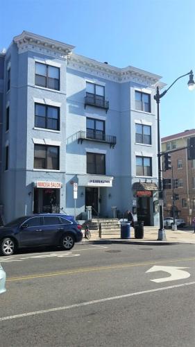 2305 18th Street NW #203 Photo 1