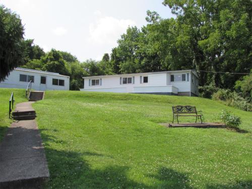 2424 Lower Lake Road Photo 1