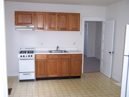 244 Mansion Avenue Unit A Downstairs Photo 1