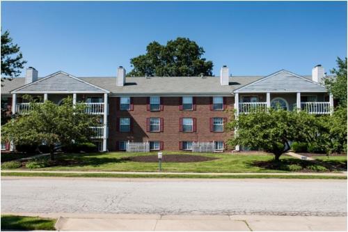 1747 Beechwood Avenue NE #6 Photo 1