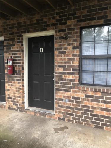 11824 E Gateway Drive B Photo 1