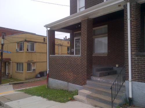 527 E Warrington Avenue Photo 1