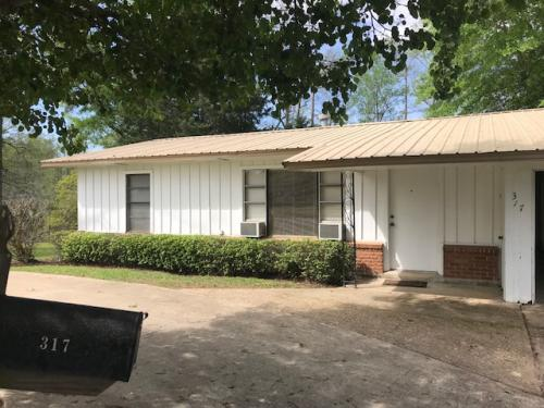 Monroe, LA 71203. Home For Rent. 317 Bayou Oaks Drive Photo 1