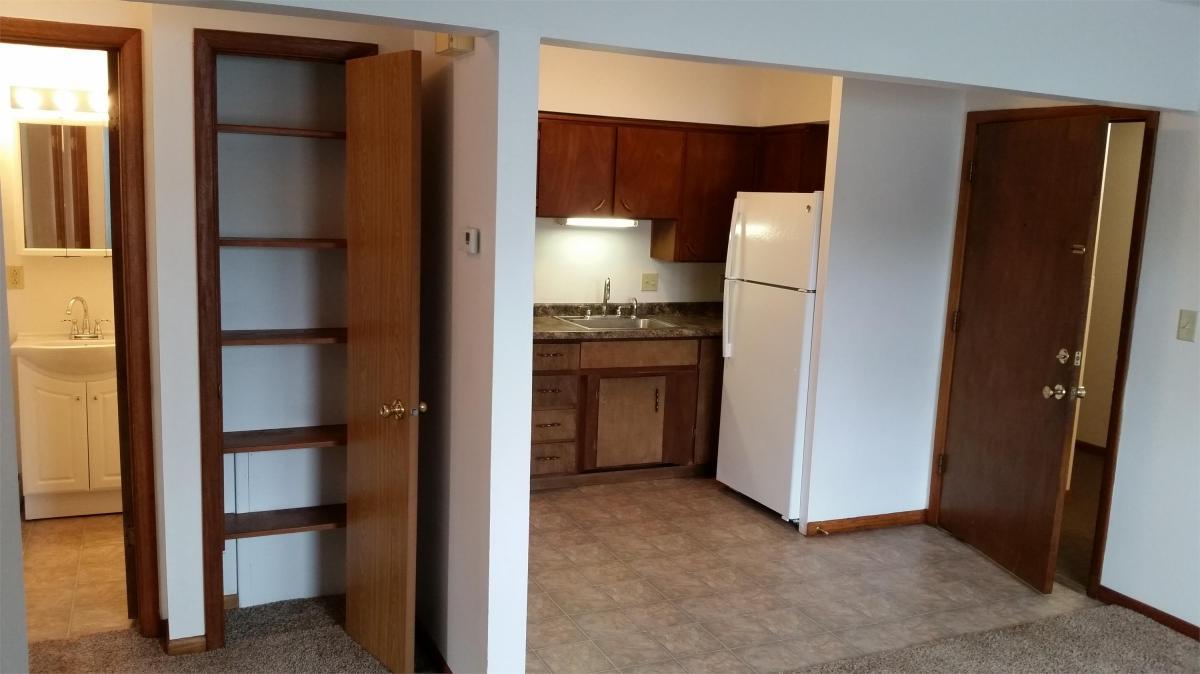 Superior Apartment Unit 2 At 321 Cedar Crest Drive, Cedar Falls, IA 50613 | HotPads
