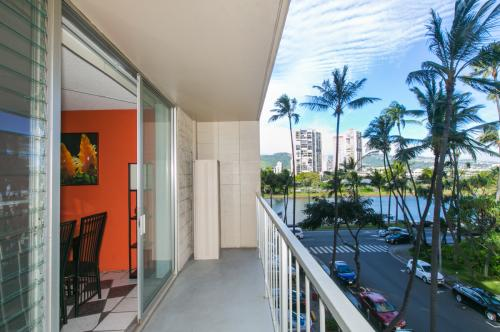 2115 Ala Wai Boulevard #401 Photo 1
