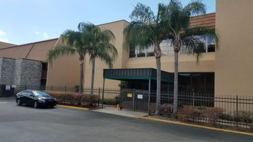 5820 N Church Avenue Photo 1