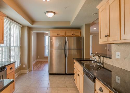 1211 Rhode Island Street - Suite 2 - 4 Bedrooms Photo 1
