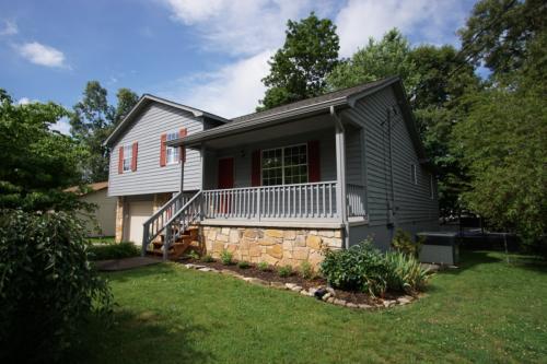 1413 Waynesboro Lane Photo 1