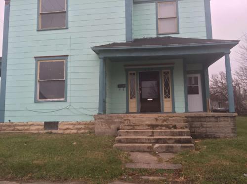 425 S Wittenberg Ave Photo 1